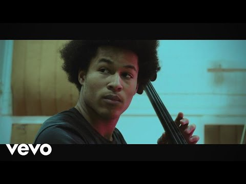 "Deeply moving cello cover of Bob Marley's ""No Woman, No Cry"""