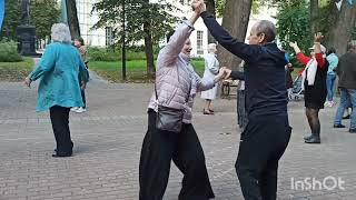 ТАНЦЫ СЕНТЯБРЯ 💃 продолжаются ПАРК КУЛЬТУРЫ #танцы#отдых#парк#Калуга