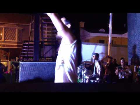 Steve Aoki & Travis Barker -Cudi The Kid