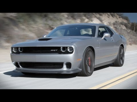 Dodge Challenger Hellcat Review (Muscle Kings Pt.1) - Everyday Driver