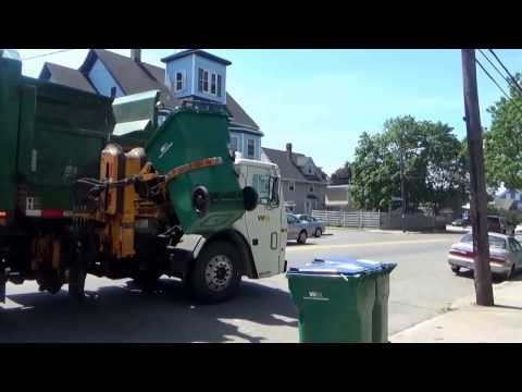 Waste Management 104789 ~ Mack LEU Labrie Automizer ASL On Recycle in Lynn