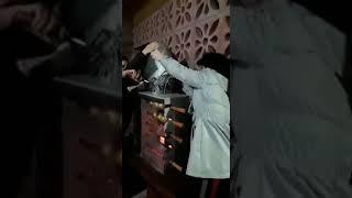 COLOU A TELEVISÃO NA CHURRASQUEIRA/ assistindo tela quente