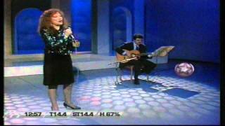 "Ginamaria Hidalgo ""Amar Amando"" [HQ]"