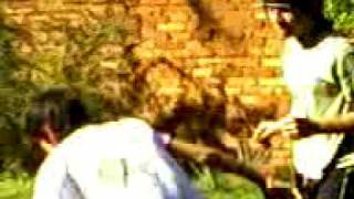 pelea de skater raperos y flogger ajaj thumbnail