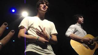 Allstar Weekend- A Different Side Of Me (Acoustic)