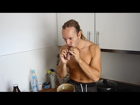 Full Day of Eating - Primal / Paleo (Raw Meat, Eggs, Milk)