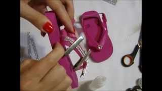 Repeat youtube video Chinelo com manta de strass 2 - Passo a passo (Infantil)