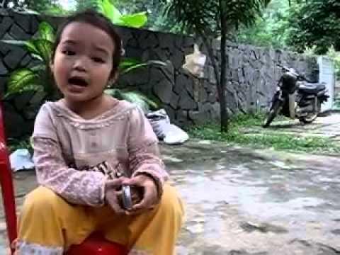 Bé gái 5 tuổi đọc Truyện Kiều bằng giọng Huế cực Dễ thương!