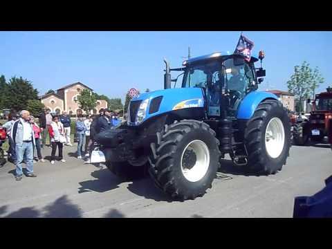 SFILATA DI TRATTORI A CAVEZZO 2014  2 VIDEO