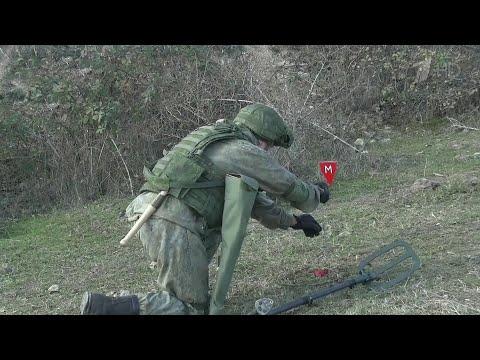 В Нагорном Карабахе российские миротворцы разминировали дорогу в окрестностях города Шуши.