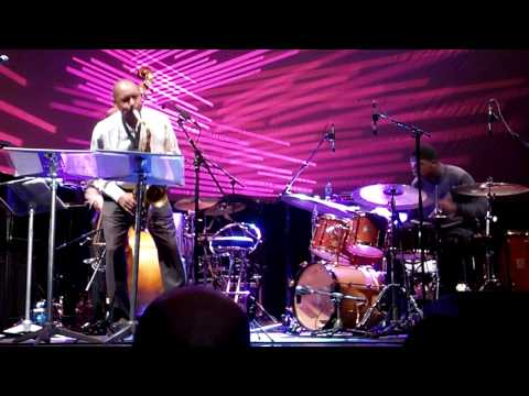 Branford Marsalis Quartet live in Bucharest Oct 2009 - incl. amazing drum solo by Justin Faulkner