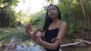 Krótki Film o Dżungli i Młodych Niewiastach. Filipiny.