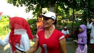Senam bersama warga Papua di RT 05 RW 03 Kebonsari LVK Jambangan Surabaya