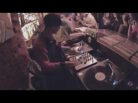 DJ WORM scratch on party @ 2x12