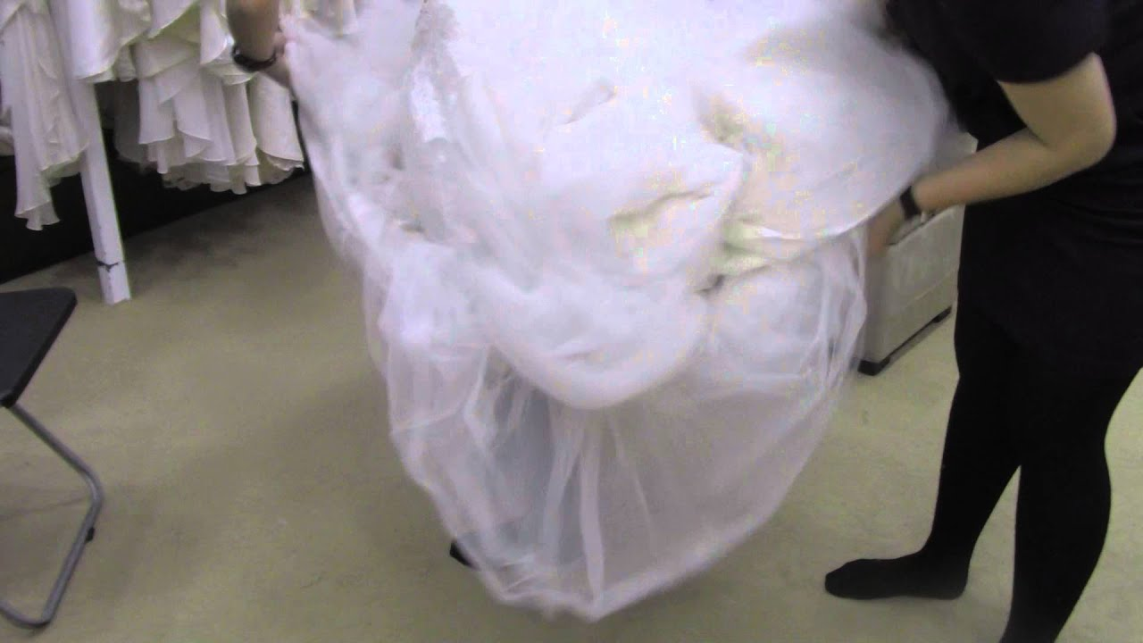 0d67032514a03 How To Go To The Toilet In Your Wedding Gown - YouTube