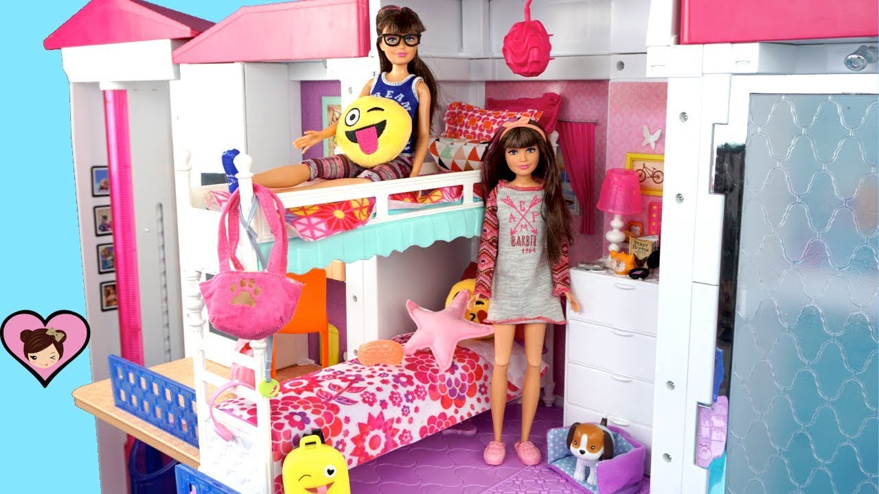 Barbie Twin Sisters Bunk Bed Morning Routine Packing School