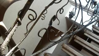 Металлические кованые перила для деревянной лестницы, ограждение лестниц из дерева(посмотреть http://kovka-dveri.com/lekarstva30075 ...Металлические кованые перила для деревянной лестницы, ограждение лестни..., 2016-09-09T14:04:47.000Z)