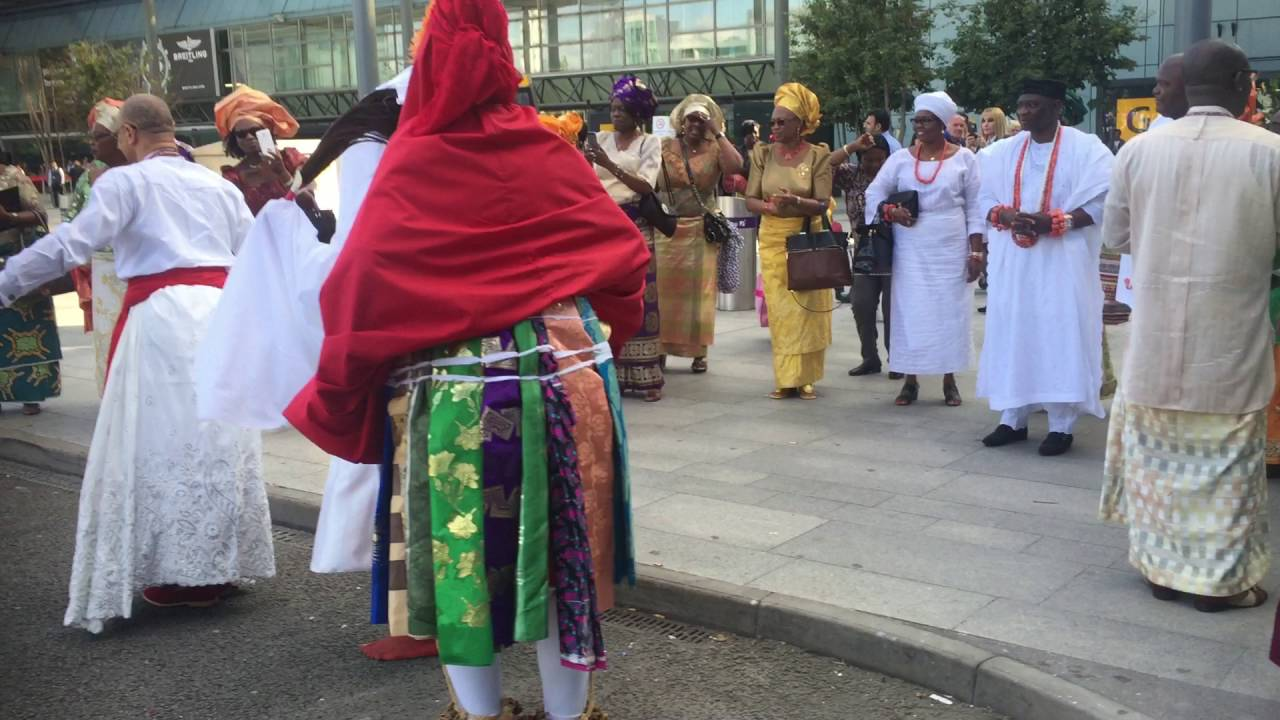 Download The Olu of Warri - His Majesty Ogiame Ikenwoli at London Heathrow airport 2016 - 4