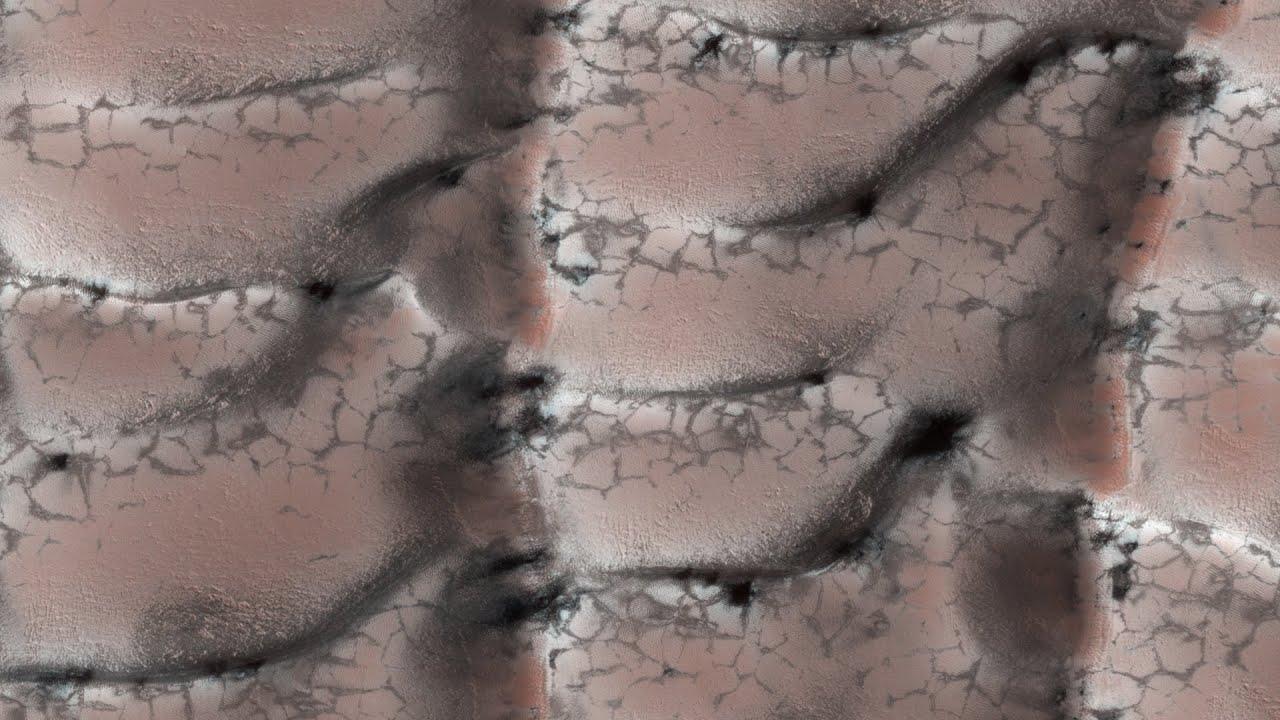 Som ET - 52 - Mars - Dunes with Fans