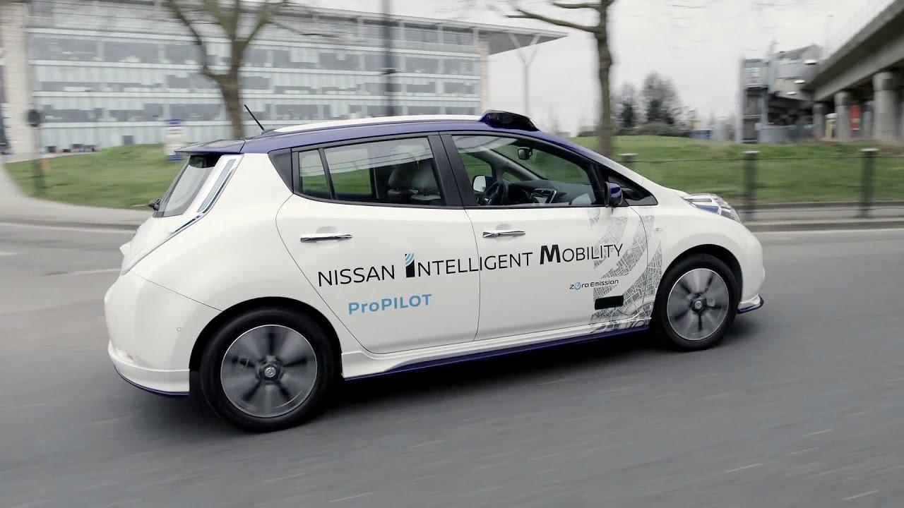 Nissan Leaf Autonomous Drive Demonstration in London - YouTube