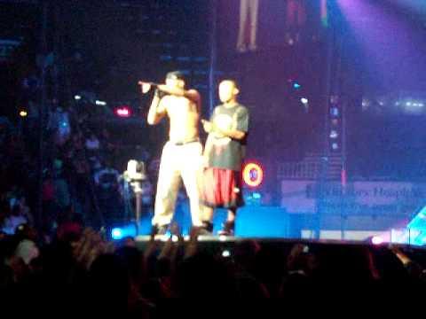 Chris Brown & Bow Wow - This Christmas - Live.