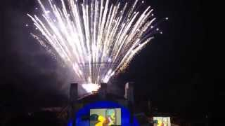 "The Simpsons Fireworks Finale & Nancy Cartwright performs ""Do The Bartman"" - Hollywood Bowl 9/13/14"