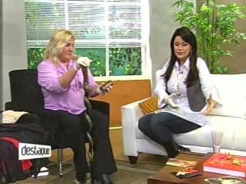 Carmem Tiepolo no Programa Destaque do SBT falando sobre Michael Jackson