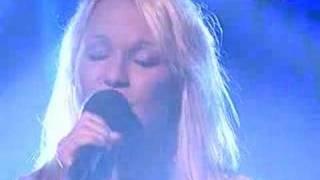 Lenna Kuurmaa - Falling Star
