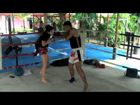 Cat Albert-Zingano trains at Tiger Muay Thai for bout against Carina Damm