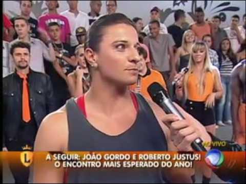 Mulher levanta carro com João Gordo dentro #arquivolegendários