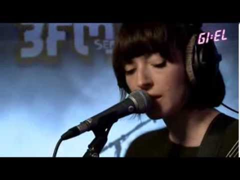 Daughter - 'Get Lucky' (Daft Punk cover) live at 3fm