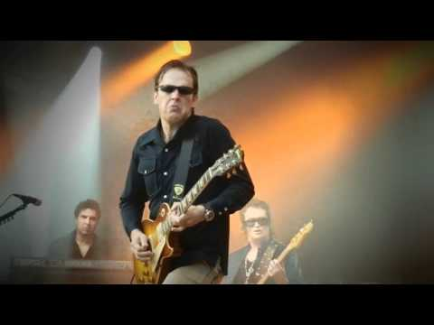 Black Country Communion - song of yesterday ....awesome live band!!