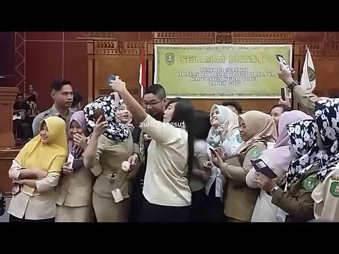 KEREN..!! Pasha Ungu Menyanyikan Lagu Virgoun Surat Cinta Untuk Starla // Sangatta Kutim 2017