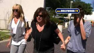Dina And Ali Lohan Visit Lindsay Lohan In Jail YouTube Videos