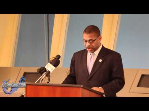 Minister Roban speaks at Bermuda Cablevision Community Service Award Ceremony