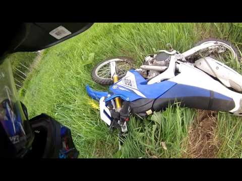 My Yamaha Wr250R, my nose and my friends 1 part