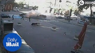 Footage shows blast that killed journalist and Putin critic - Daily Mail