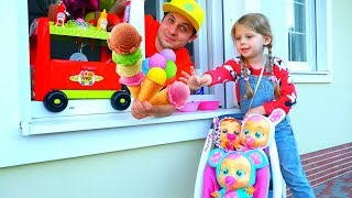 Дана с Куклами играет в магазин МОРОЖЕНОГО!! Funny video for Kids Children
