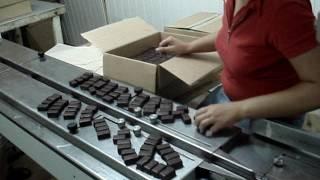 видео Упаковка для кондитерской продукции