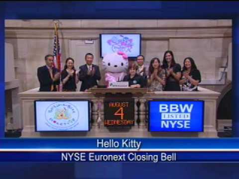 Hello Kitty rings the Closing Bell at the NYSE
