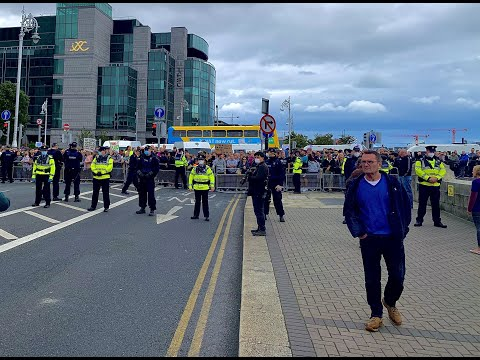 March for Freedom! Facist Irish Police barricade people from entering their own peaceful protest!