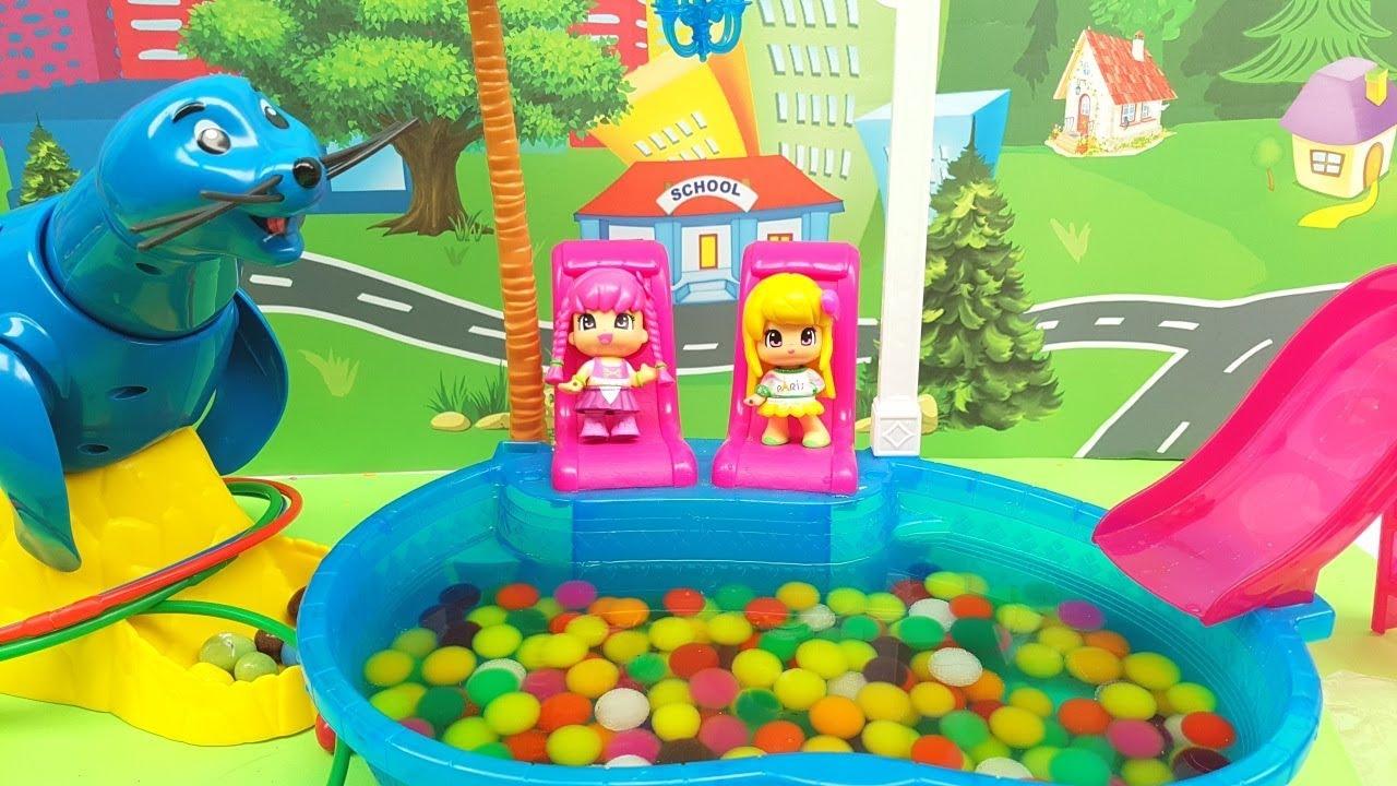 Emily sfida giulia la pinypon al gioco willy la foca dopo un bagno in piscina episodio - Prurito dopo bagno in piscina ...