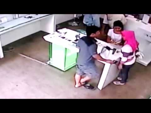 Pencurian unit Hp di servis Center Balikpapan