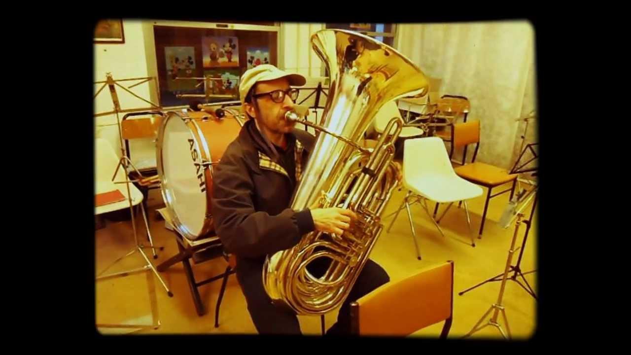 Basso Tuba (flicorno contrabbasso) - YouTube 81a0f0f1f88