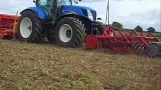 Semis d'engrais verts avc NH T 7050