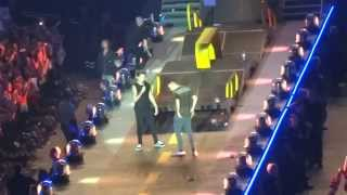 One Direction - You & I + Liam standing on his head Brussels 13/06