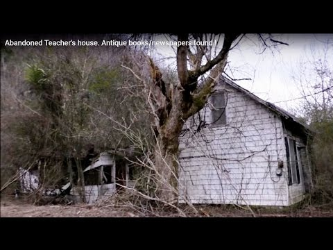 #53 Abandoned Teacher's house. Antique books/newspapers found !