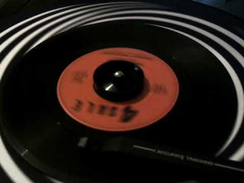 45 rpm: The Swingin' Medallions - Double Shot - 1966