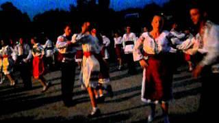 Ansamblul de  dans popular codrenii din Pitushka (Doiul)