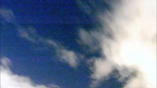 夜空に雲が出ていて、星空は期待できませんでした。